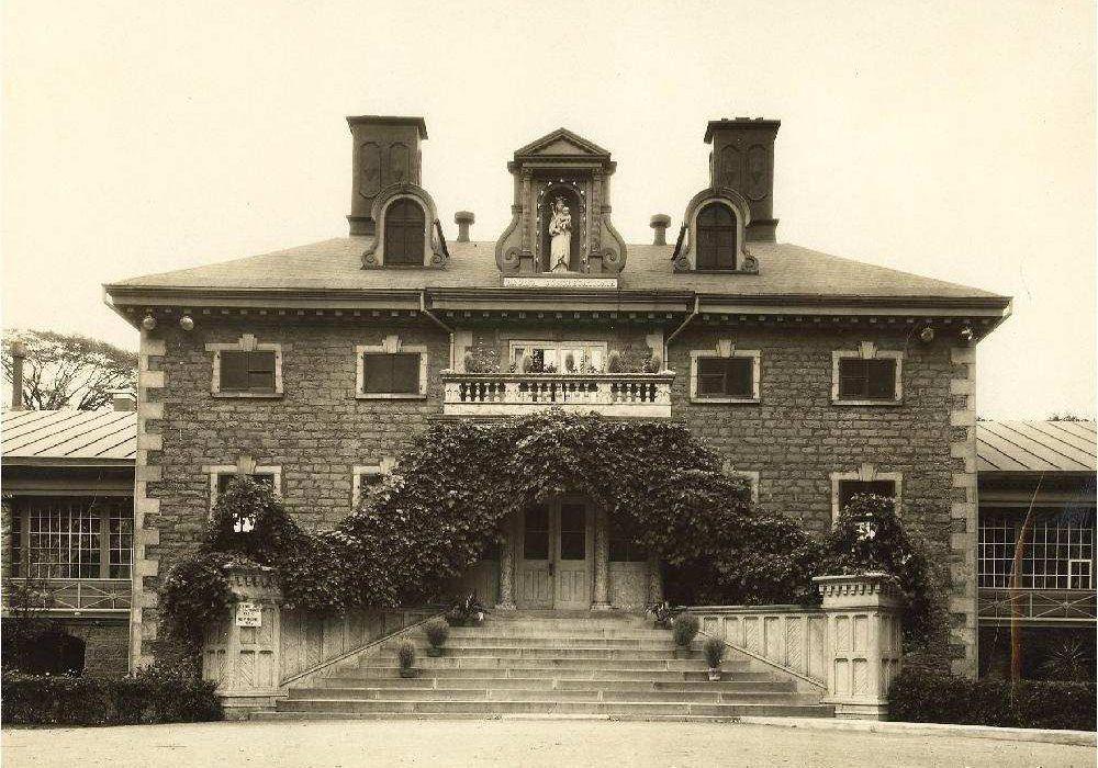 Undated archival photo of the main building at Villa Maria school in Montreal. Credit: Archives Congrégation de Notre-Dame – Montréal.